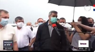 """""""El país está bien, a pesar de muchos que no me quieren"""", dice Abdo"""