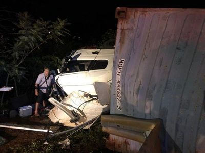 Aparatoso accidente deja tres heridos en Alto Paraná