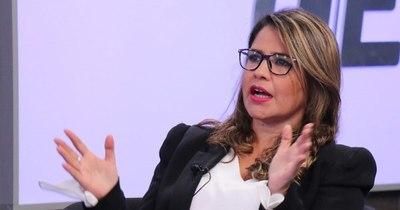 """La Nación / Mano a Mano LN con Cecilia Pérez: """"Tuvimos que congeniar y administrar emergencia sobre emergencia"""""""