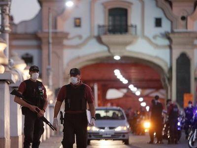 Estudian usar fuerzas policiales frente al rebrote del Covid-19