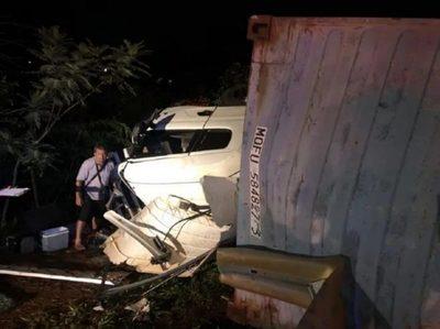 Impactante accidente de tránsito en CDE deja tres heridos