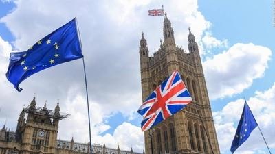 HOY / El Reino Unido corta definitivamente sus lazos con la Unión Europea