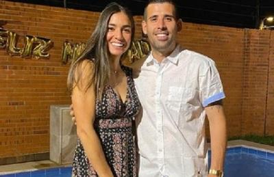 Edgar Camarasa y la tenista Monse González se muestran enamorados en las redes