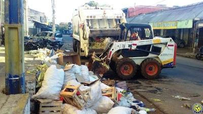Operativo limpieza en las calles de Luque •