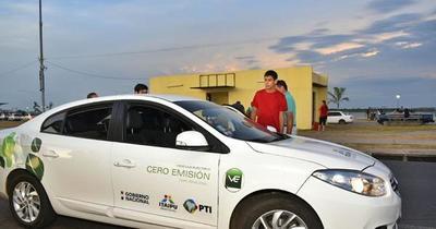 Proponen alianza para promover desarrollo de autos eléctricos en el país