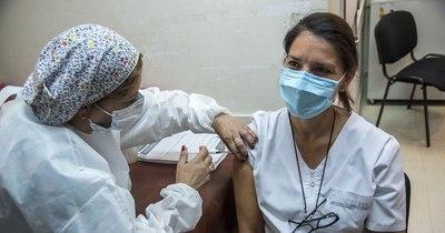 La Nación / El Círculo de Médicos pide que vacunación sea gratis y universal