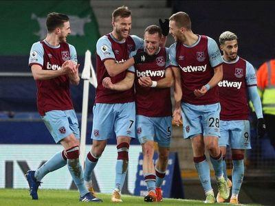 El West Ham, sin Balbuena, frena al Everton