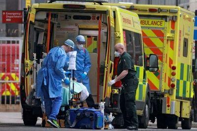 Reino Unido reactiva hospitales de emergencia a medida que aumentan los casos de coronavirus