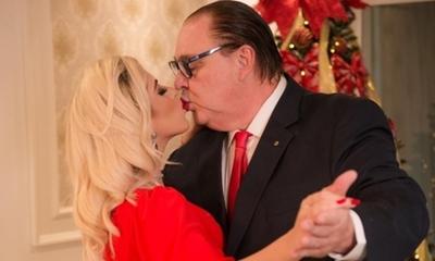 El gobernador González Vaesken cumplió un año con su joven novia