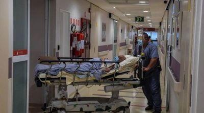 Brasil comienza 2021 con 7,7 millones de casos y 195.000 muertes por COVID-19