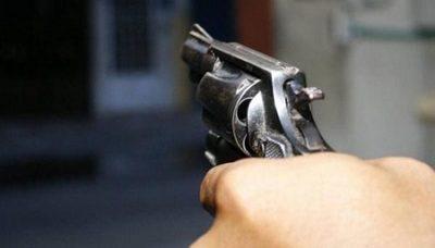 Con armas de grueso calibre asaltan bodega