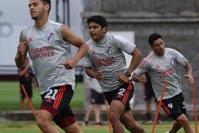 Con un paraguayo como posible titular, Boca y River abren el 2021