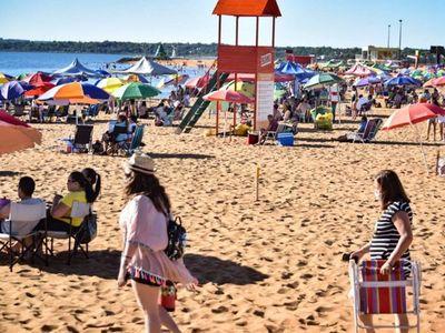 Encarnación habilita sus playas sin el consentimiento de Salud