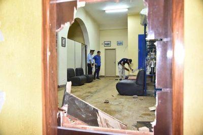 Provocan destrozos en el INDERT de Yhú – Prensa 5