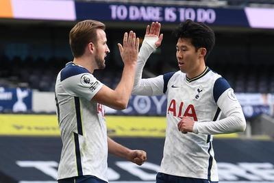 Tottenham gana y se pone a 4 puntos de la cima