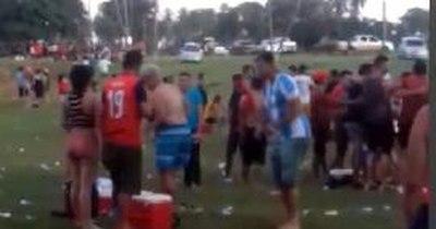 La Nación / Constatan baile, alcohol y aglomeraciones en balneario de Horqueta