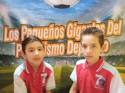 Enzo y Leandro, peques que piensan en gigante