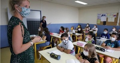 La Nación / Italia reabre 50% de clases el 7 de enero