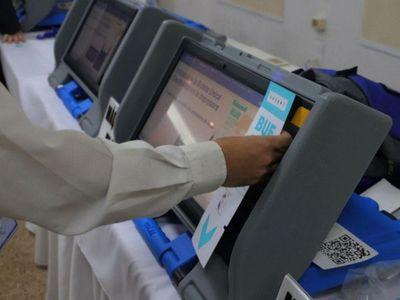 Este año se aplica voto electrónico, desbloqueo y control a las internas