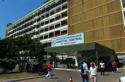 En IPS despiden a médicos mientras el hospital se viene abajo