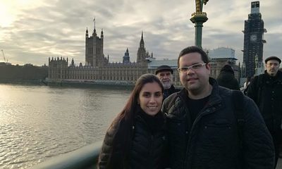 Dos científicos paraguayos en el Reino Unido en medio de la pandemia