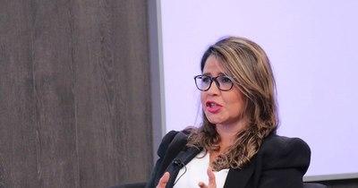 """La Nación / """"Debemos desarrollar una gestión penitenciaria enfocada en mujeres"""""""