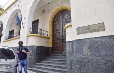 "Fiscalía allanó la Caja Municipal por denuncia de ""tragada"" de fondos"