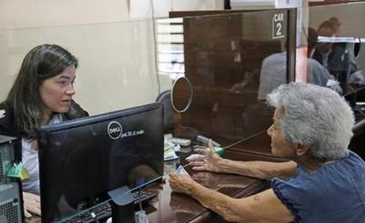 HOY / Pensión Alimentaria: ¿a quiénes alcanza el programa Adultos Mayores?