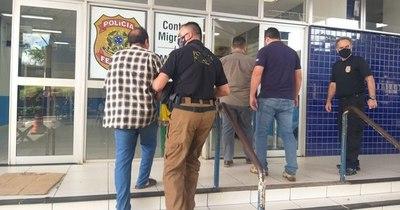 La Nación / En menos de 24 horas dos brasileños fueron entregados a la Policía Federal