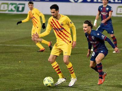 El Barcelona gana, pero deja dudas