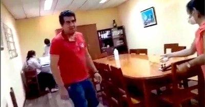 La Nación / Edil denuncia agresión de intendente de San Roque