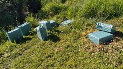 Supuestos narcos abandonaron 410 kilos de cocaína tras enfrentamiento