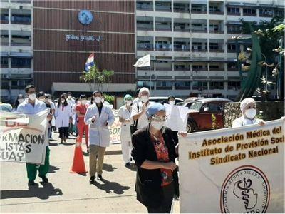 Gerente del IPS reconoce que la descontratación de médicos está vinculada a protesta