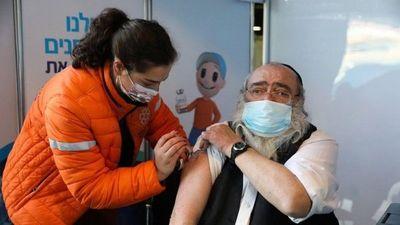 Porqué Israel tiene la tasa de vacunación más alta del mundo contra Covid-19