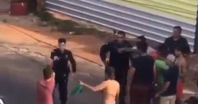 La Nación / Despojó a un policía de su arma de fuego y lo apuntó durante detención en Asunción