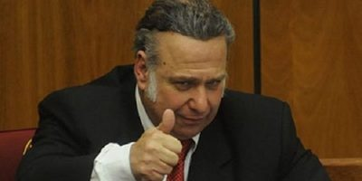 Postergan juicio oral contra Oscar González Daher e hijo