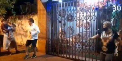 Intendente Luis Yd incumple protocolo tras salir de cuidados intensivos