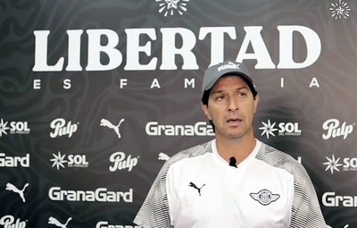 Daniel Garnero fue presentado como DT de Libertad