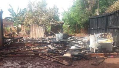 Incendio consume completamente una vivienda