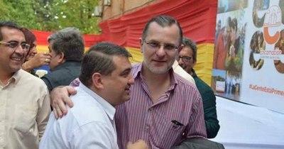 La Nación / Director de Hacienda de Encarnación renuncia indignado por festejo de Luis Yd