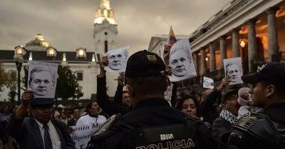 La Nación / Cinco cosas que hay que saber sobre Julian Assange y WikiLeaks