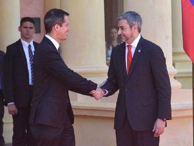 Diario revela supuesto acuerdo irregular entre Guaidó y Paraguay por deuda a Pdvsa