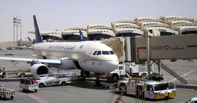 La Nación / Arabia Saudita reabre su espacio aéreo y sus fronteras con Catar