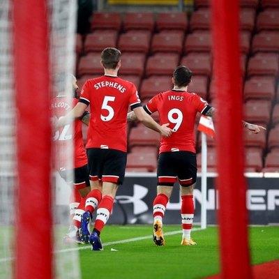 Liverpool cae en Southampton y la lucha por la Premier League se aprieta