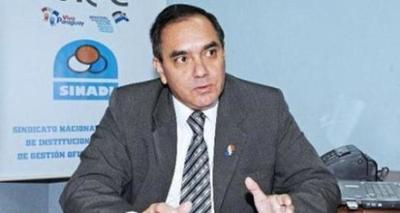 """Sinadi rechaza volver a clases presenciales y considera una """"fantasía"""" plan del MEC"""
