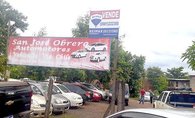Desconocidos roban G. 100 millones de una playa de venta de vehículos