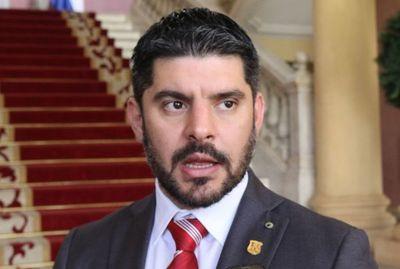 """Nenecho dice que están cerca de la """"concordia colorada"""" en Asunción"""