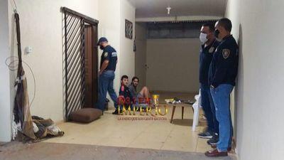 Detienen a tres  personas tras allanamiento