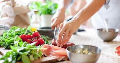 La Nación / Sugieren llevar una nutrición equilibrada tras las fiestas de fin de año
