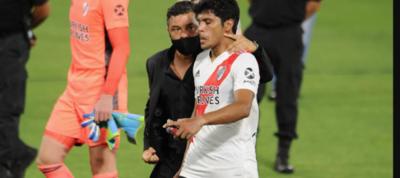 El pedido de Gallardo a Robert Rojas: 'Rompele el tobillo ahí'